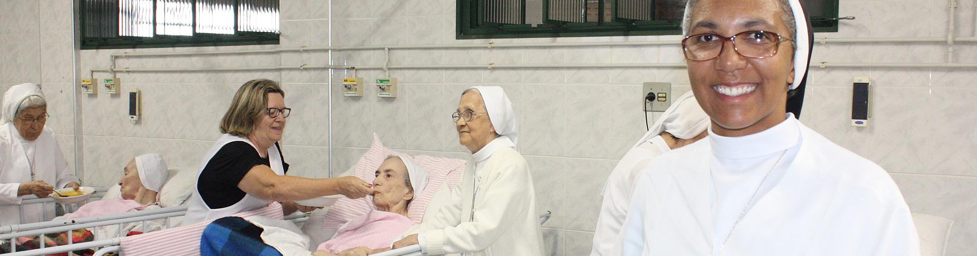 Irmãs atuando na saúde.
